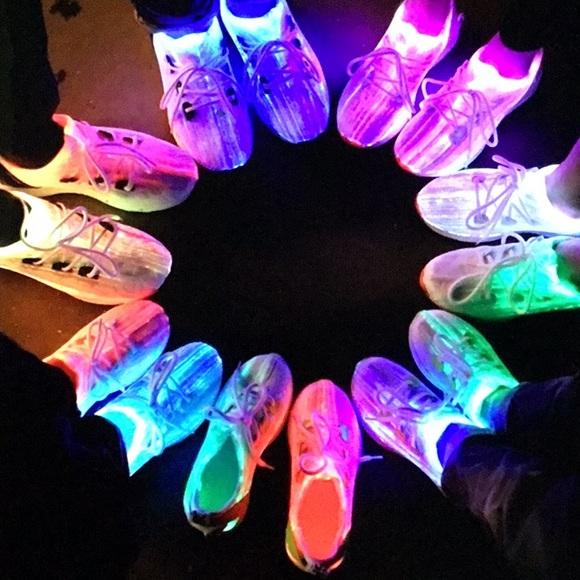31bd9134691 7 Model Fiber Optic LED Light up Tennis Shoes